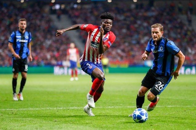 Thomas Partey, del Atlético de Madrid, en un partido ante el Brujas