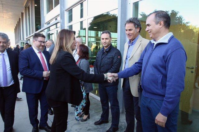 En Almería, la presidenta de la Junta, Susana Díaz, se reúne con el Comité de Em