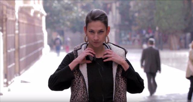 La Psico-Woman en una captura de pantalla de su canal de Youtube