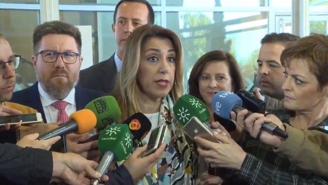 Susana Díaz atiende a los medios en Almería