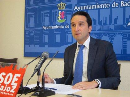 El PSOE local de Badajoz pide al alcalde que flete autobuses para acudir a la manifestación por el tren de Cáceres