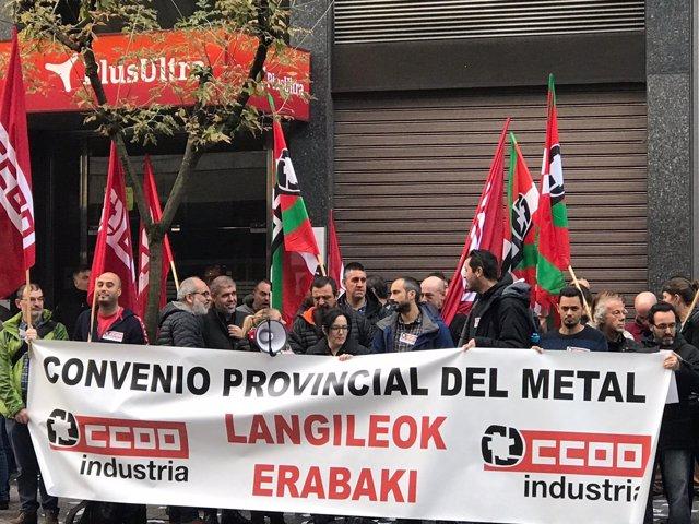 Concentarción por el convenio provincial del Metal de Bizkaia
