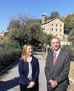 La alcaldesa de Alcalá de Guadaíra con el consejero delegado de Emasesa