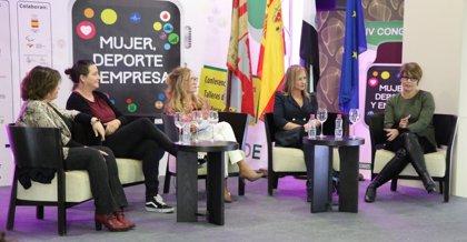 Las deportistas Sonia Bejarano y Ana Carrasco, y los supermercados DIA, Premios Deporte y Mujer de Extremadura