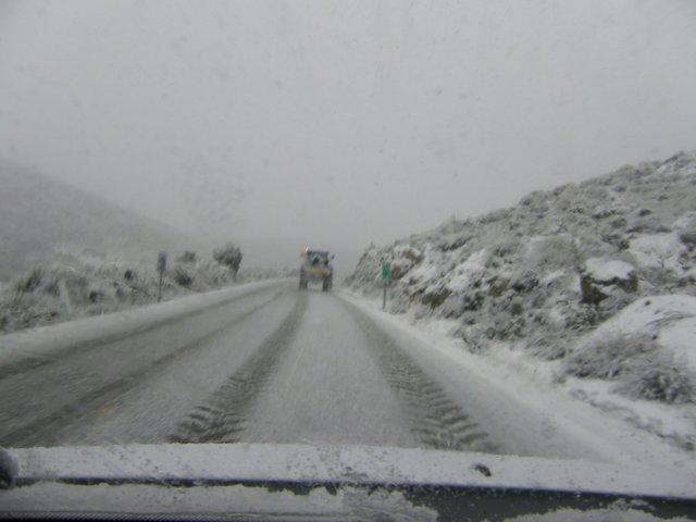 Carretera de la provincia de Granada afectada por la nieve