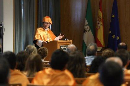 El profesor Shaker A. Zahra, investido Doctor Honoris Causa por la Universidad Pablo de Olavide de Sevilla