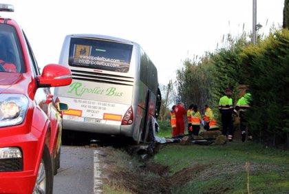 Deu nens ferits lleus en l'accident d'un autocar a Forallac que portava escolars