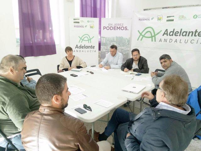 Reunión de Podemos con trabajadores de mantenimiento de hospitales