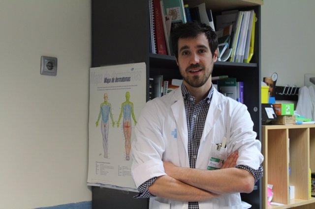 Mikel Vicente, médico de la clínica de accidentes isquémicos transitorios