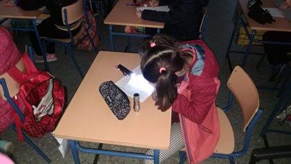 Comunidad educativa del CEIP 'Pedro Garfias' de Sevilla piden soluciones a los cortes de luz