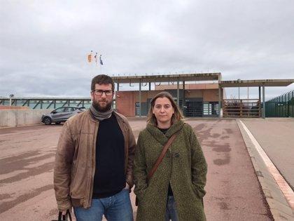 """Urbán (Podemos) visita a Cuixart y critica que haya """"presos políticos"""" en España"""