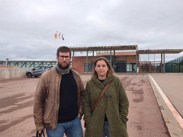 M.Urbán (Podemos) y S.Farré visitan a J.Cuixart (Òmnium) en la cárcel