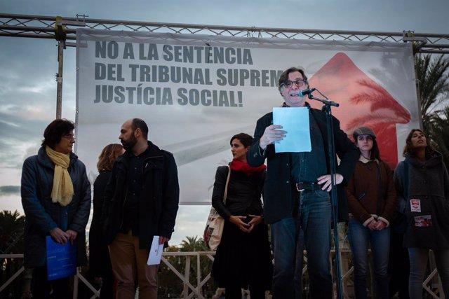 CONCENTRACIÓN DE ÒMNIUM, CCOO, UGT EN BARCELONA CONTRA LA DECISIÓN DEL SUPREMO S