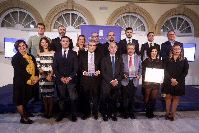 Las empresas premiadas han sido Caparrós Nature y Cosentino.