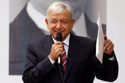 López Obrador dice que no promoverá cambios económicos o fiscales durante la primera mitad de su mandato