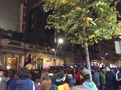 Suspès un acte d'HazteOir a Barcelona per una concentració de rebuig