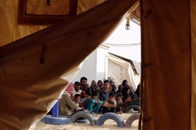 Refugiados sirios en el paso fronterizo de Rukban / ARCHIVO