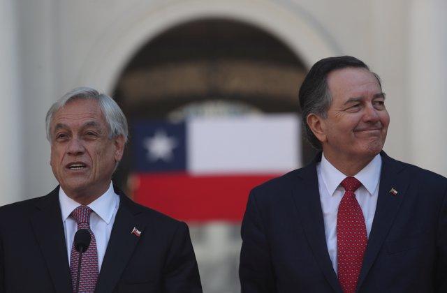 El presidente de Chile, Sebastián Piñera, y el canciller, Roberto Ampuero