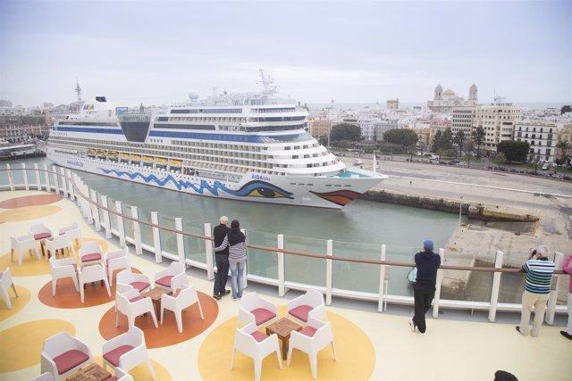 Turismo vinculado al mar, crucero