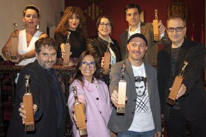 Anna Moner gana el Ciutat d'Alzira con una novela que mezcla ocultismo e investigaciones poco ortodoxas