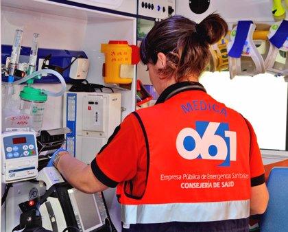 Rescatado el conductor de un camión que volcó de madrugada en la carretera A-431, en la provincia de Córdoba