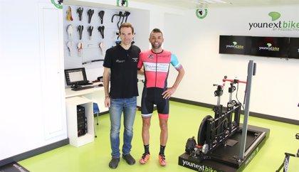 El ciclista sevillano que atravesará España para fomentar el deporte en diabéticos comienza este domingo su reto