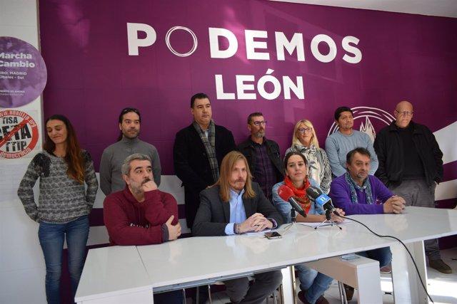 León.- Fernández, junto al resto de dirigentes de la formación en León