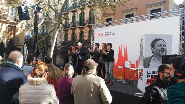 Aragonès, Capella y Maragall en un acto en Gràcia