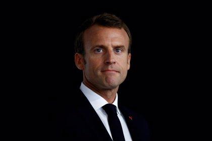 Los ultraderechistas detenidos planeaban apuñalar a Macron este domingo en un acto oficial