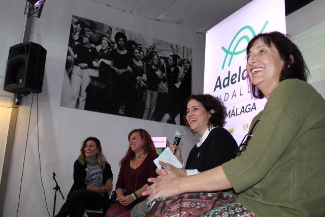 Intervención de Vanessa González en un encuentro