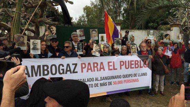 Movilización de la plataforma Gambogaz hacia el cortijo del mismo nombre