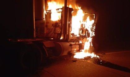 El ELN hiere a una mujer y quema varios vehículos en Cesar
