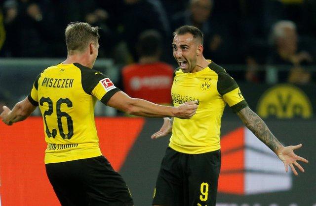 Paco Alcácer celebra un gol con el Borussia Dortmund el día de su debut