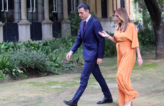 El presidente del Gobierno, Pedro Sánchez, y la presidenta de la Junta
