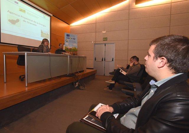 Reunión entre la Diputación y la agencia de la Energía de Granada