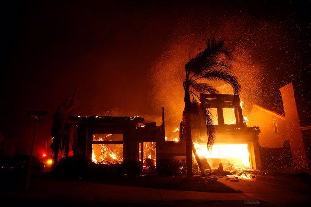 Un incendio en el estado de California (EEUU)