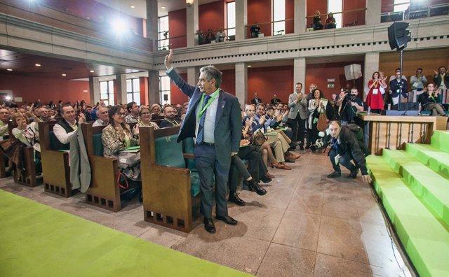 Revilla tras su reelección en el 12 Congreso regional del PRC