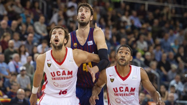 Ante Tomic, del Barça Lassa, en un partido ante el UCAM Murcia