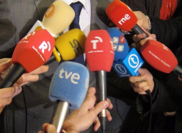 Micrófonos, Medios, Periodistas, Canutazo