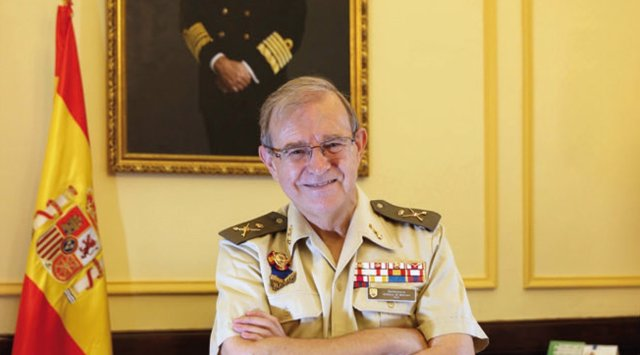 El general Miguel Ángel Ballesteros