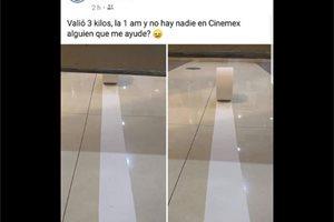 Va al baño en el cine y lo dejan encerrado, en México