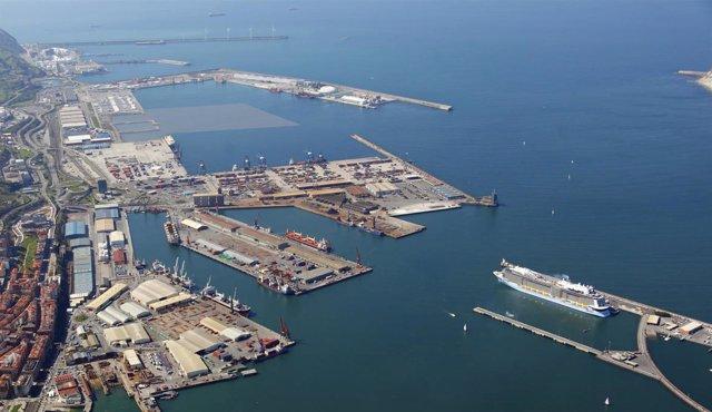Foto aérea del Puerto de Bilbao.