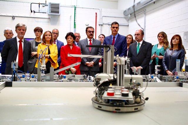 Pedro Sánchez, presidente del Gobierno, visita el Centro de Innovación de FP de