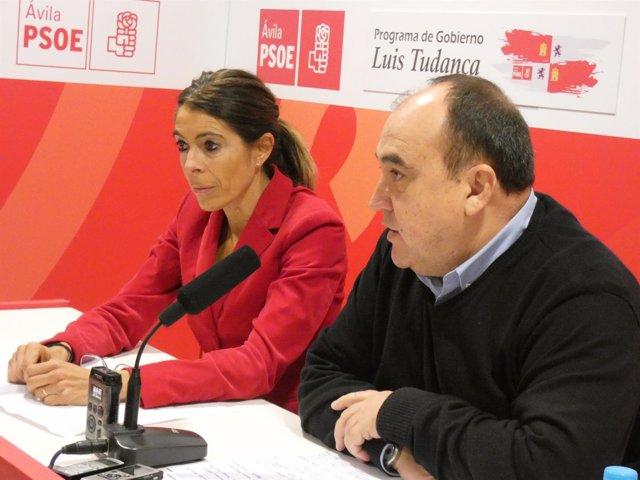 Yolanda Vázquez, y el diputado socialista Pedro Muñoz.