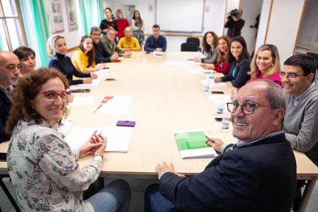 Delegaciones de CCOO-A y del PSOE-A reunidos en el marco del 2D
