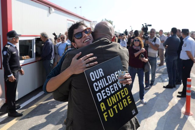 Apertura de un paso fronterizo en Chipre