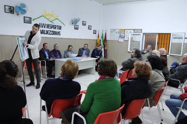 Reunión entre el Ayuntamiento y la Asociación de El Despertar de Valdezorras