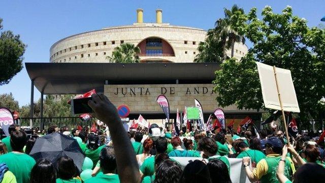 Manifestación de los interinos en Sevilla