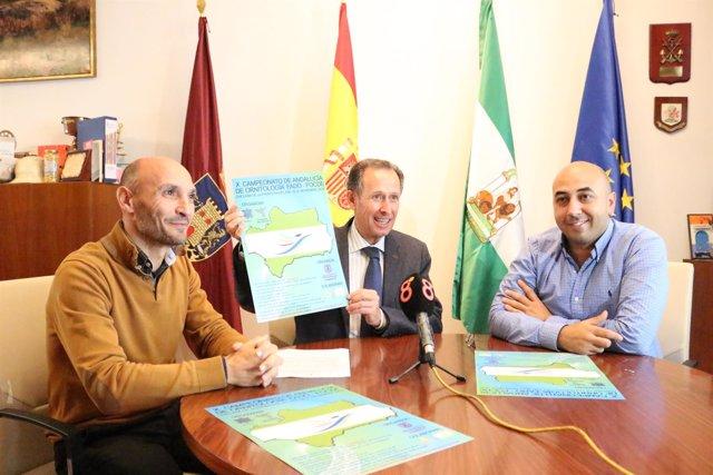 El alcalde de Chiclana, José María Román presenta el X Concurso de Ortinotología