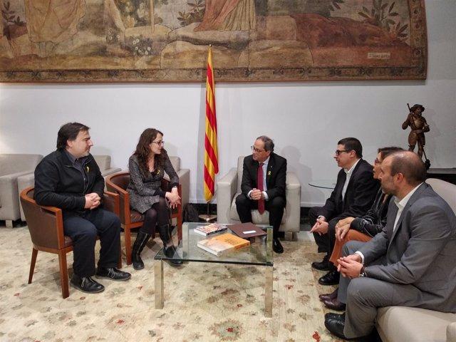El presidente Quim Torra con los miembros de la Sindicatura Electoral del 1-O